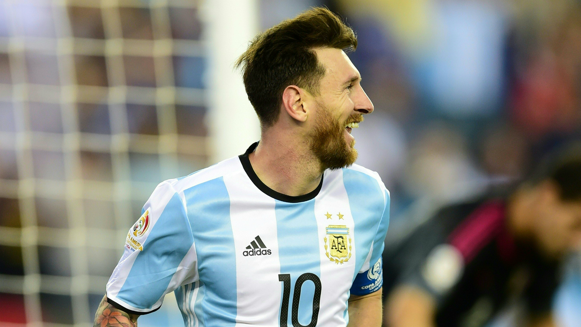 Full Smile Messi Face pics