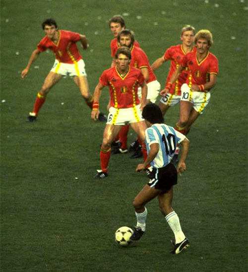 Belgium beat Argentina at 1982 FIFA world cup opening group match