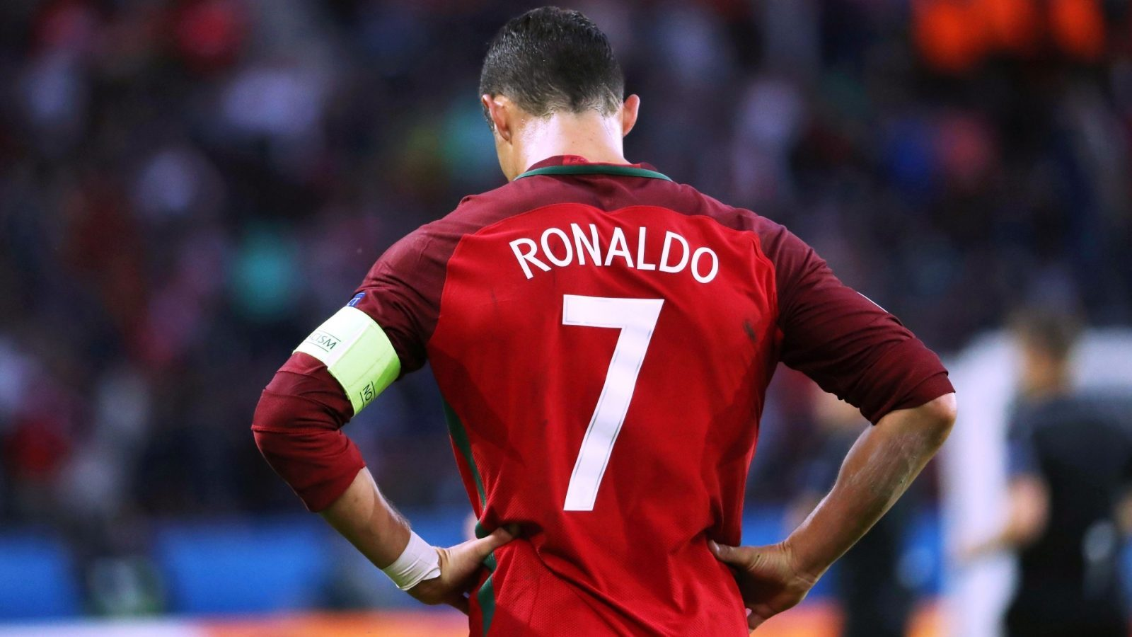 Cristiano Ronaldo pictures with cr7 jersey backside image
