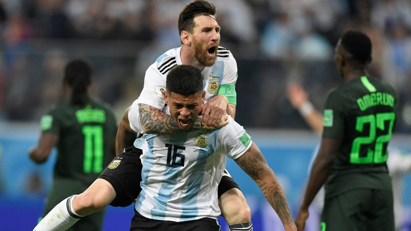 Messi and Rojo bring the argentina in knock out round by wining against nigeria