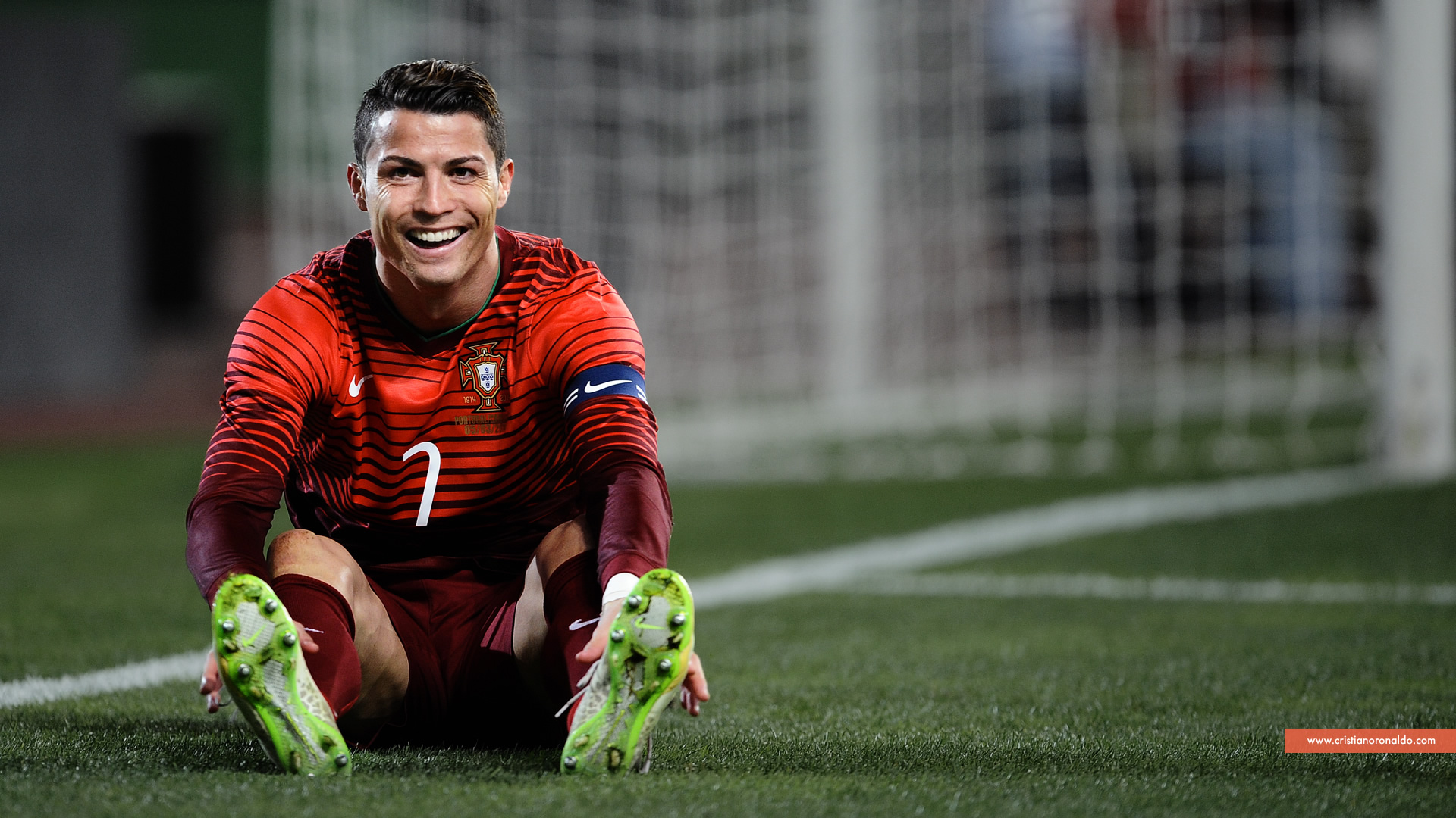ronaldo smiling face pictures in portugal jersey of red color