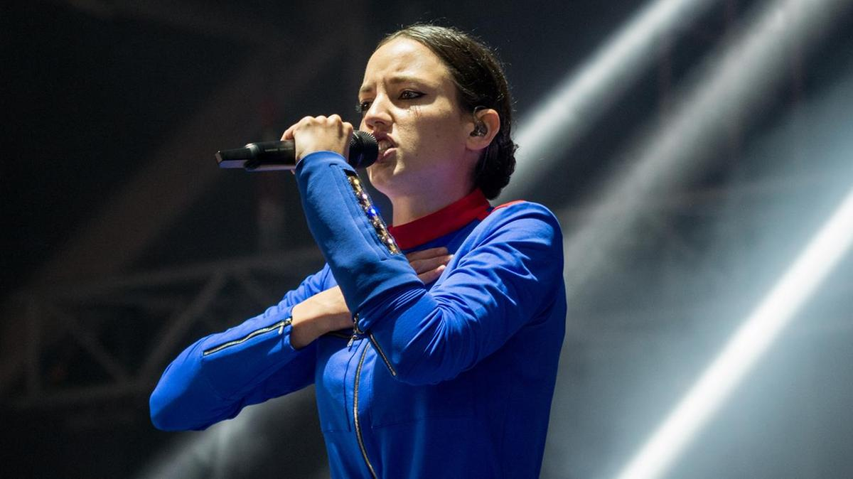 French singer Jain perform on women's world cup opening ceremony